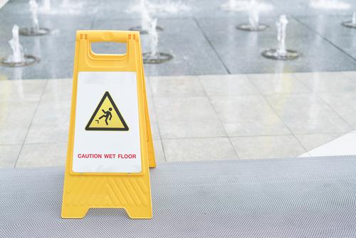 Hĺbkové čistenie tvrdých podláh